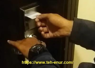 Kunci kamar hotel bentuk kartu ATM