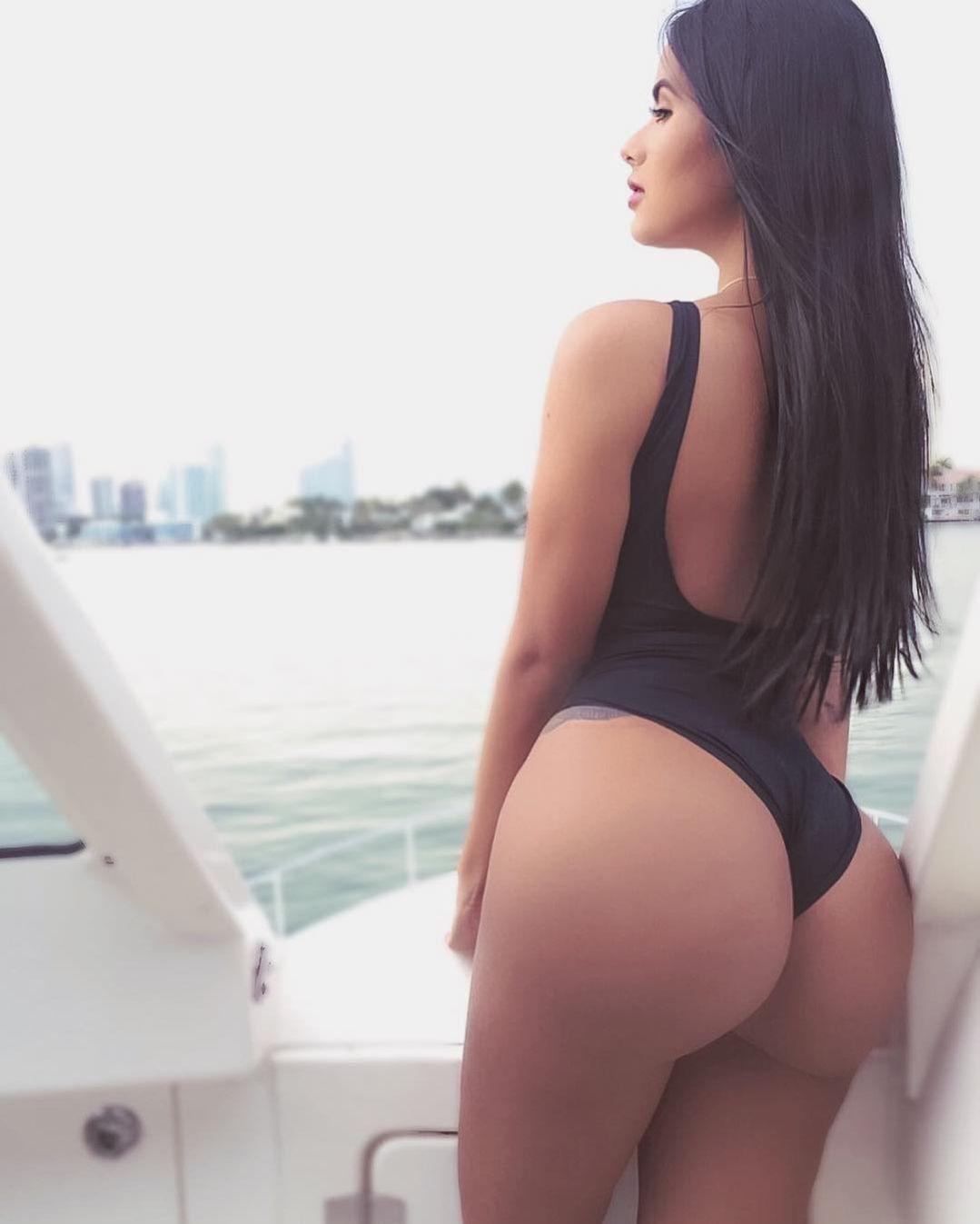 Maria Gabriela Lobaton 3