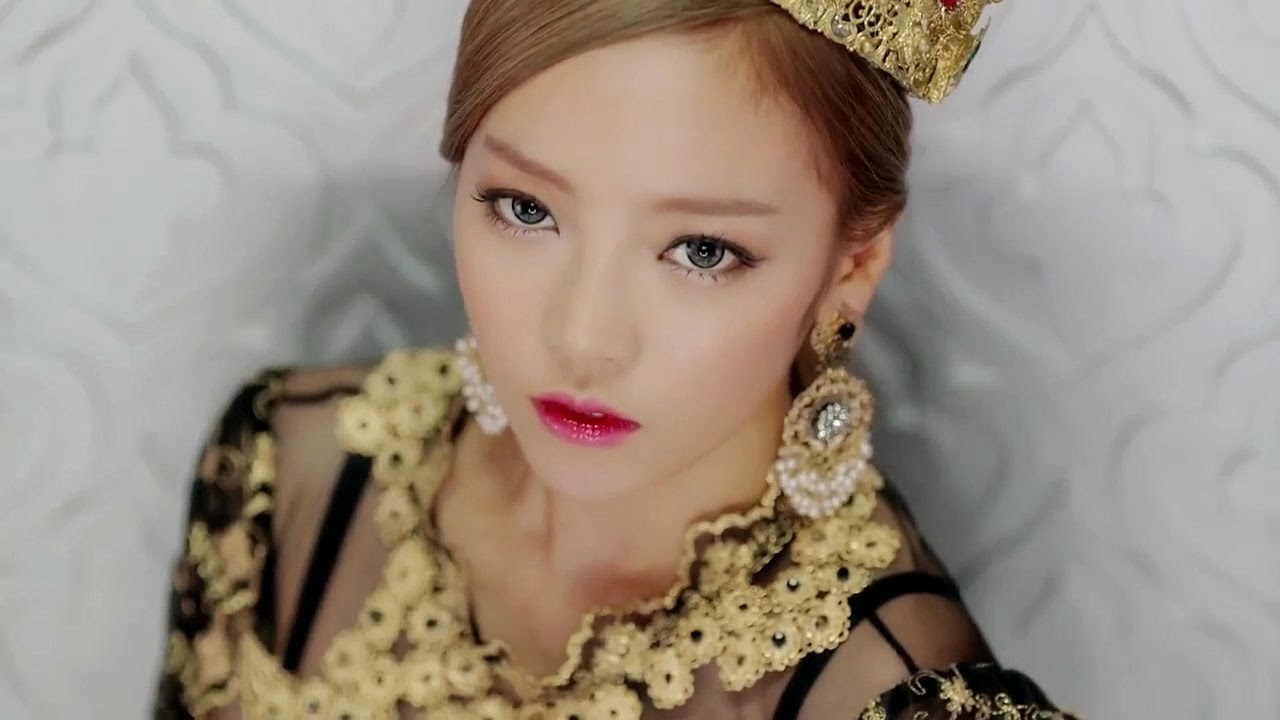 QuestJen: Inspired Look - Goo Hara (Damaged Lady - KARA MV)