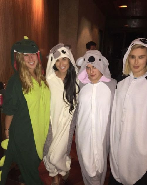 Sweet! Animal Thanksgiving with Demi Moore & Kids