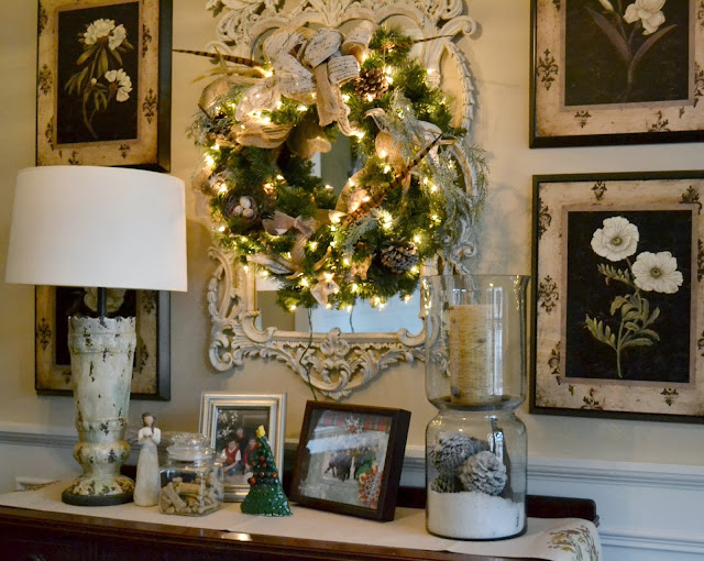 Decor You Adore Mantels Garlands Amp Vignettes A Quick Way