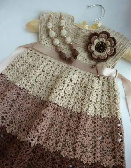 Patrón #873: Vestido de Bebe a Crochet