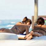 Irina Shayk Luciendo Culazo En Tanga Por Las Playas Mexicanas. Foto 4