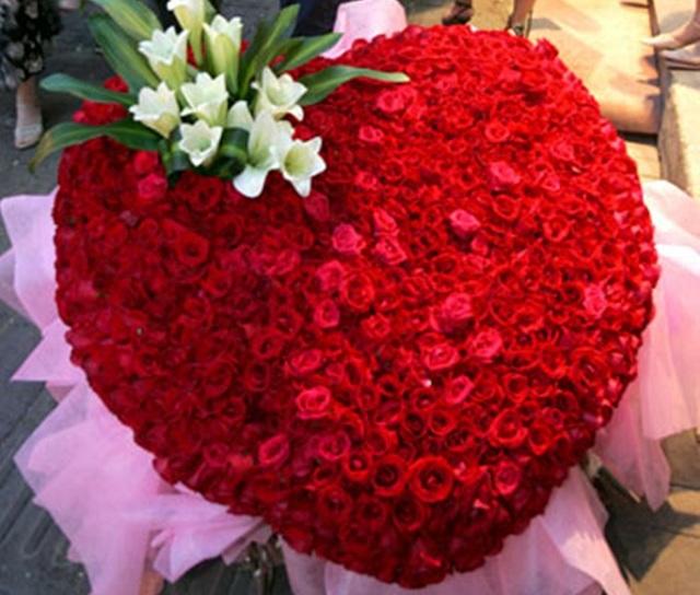Bó hoa hồng đỏ đẹp nhất thế giới 14