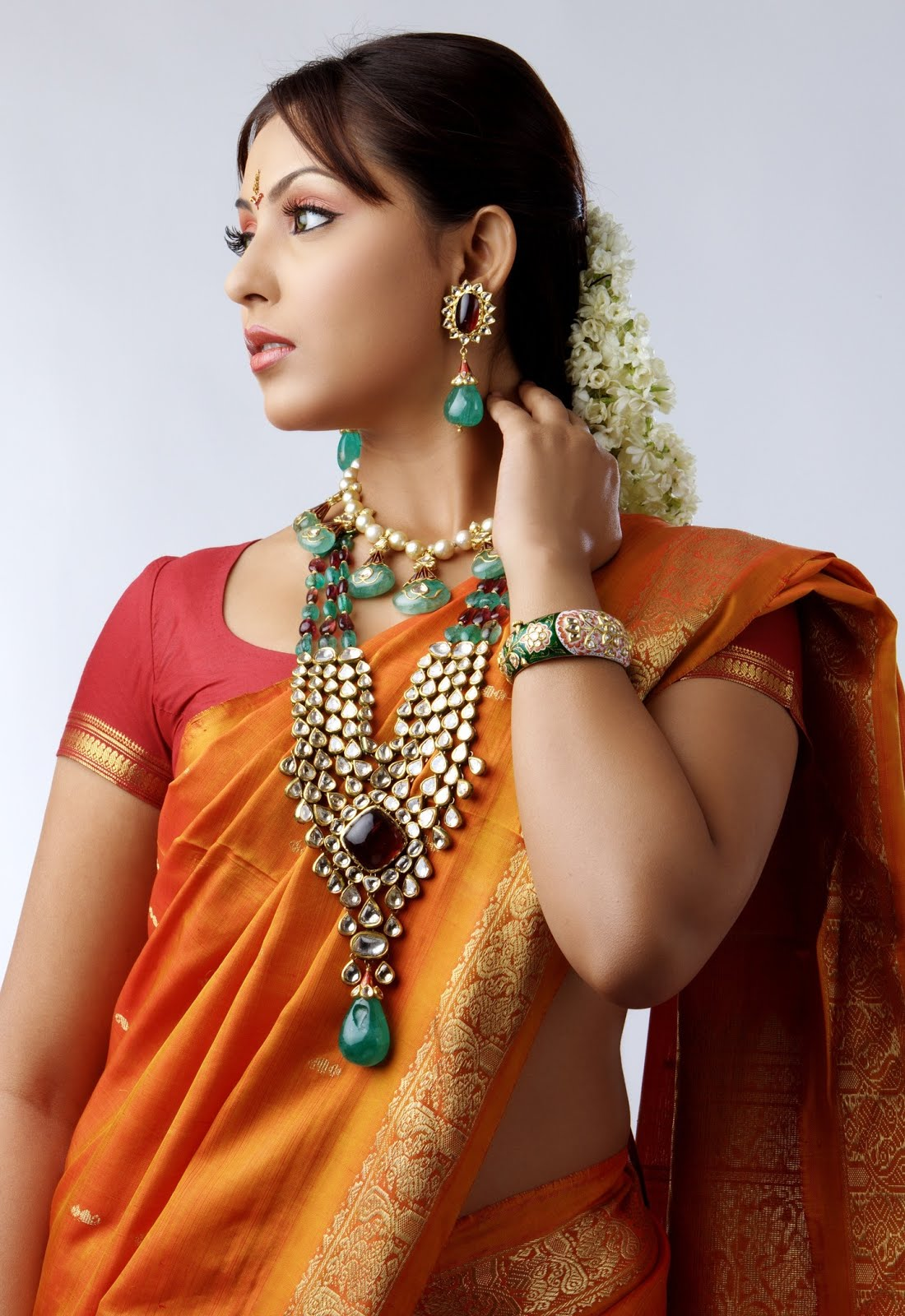 Slicypics Indian Actress Tamanna Bhatia Photos: Madhu Shalini Hot And Spicy Pics