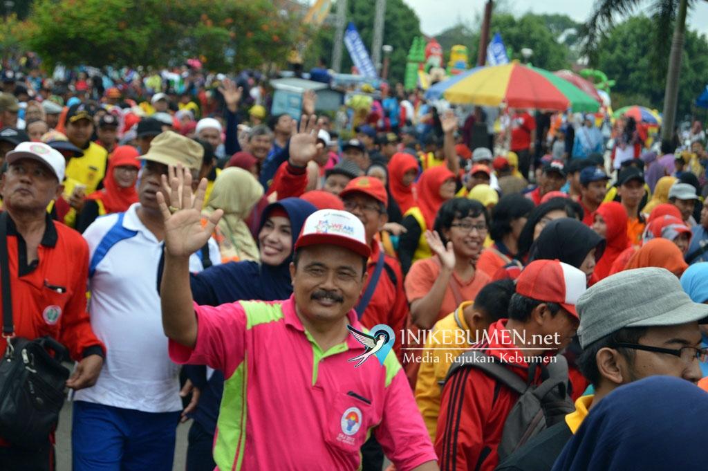 Peringati Hari Guru, PGRI Kebumen Gelar Jalan Sehat