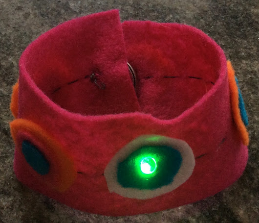 How to Make a Light-up LED Cuff with a Magnetic Switch #makered