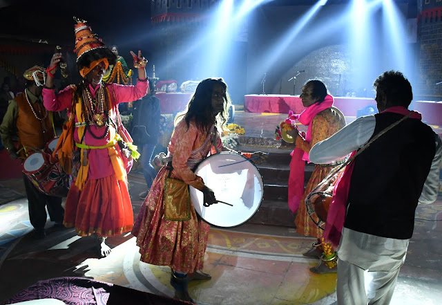 Presentation of cultural evening and light sound folk art by Maharashtra in Choupal of the fair