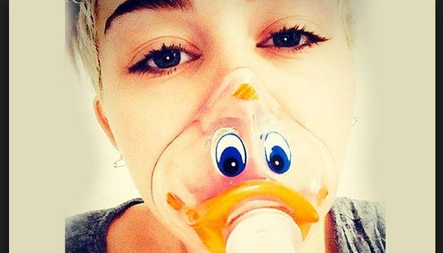 Miley Cyrus extremadamente delgada