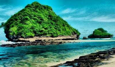 Pantai Goa Cina, Surga Bahari Di Pesisir Malang.
