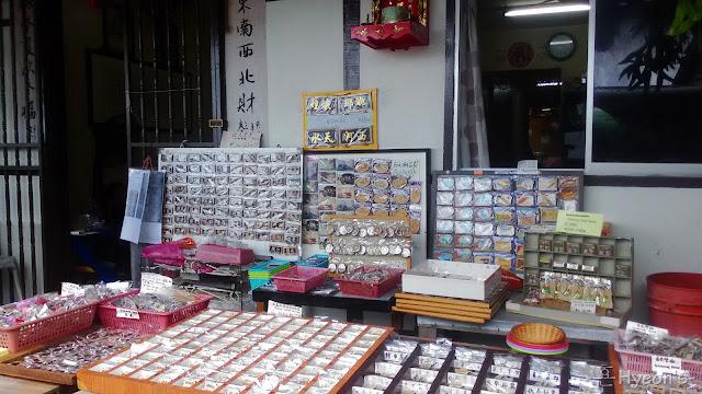 souvenirs chew jetty penang