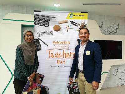 Sambutan Hari Guru Bersama Petrosains di Kuantan Pahang