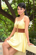 Manisha Kelkar sizzling in Yellow-thumbnail-4