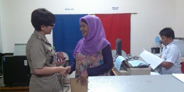 Walau Non-Muslim, Lurah Susan Mendapat Pujian dari Warga