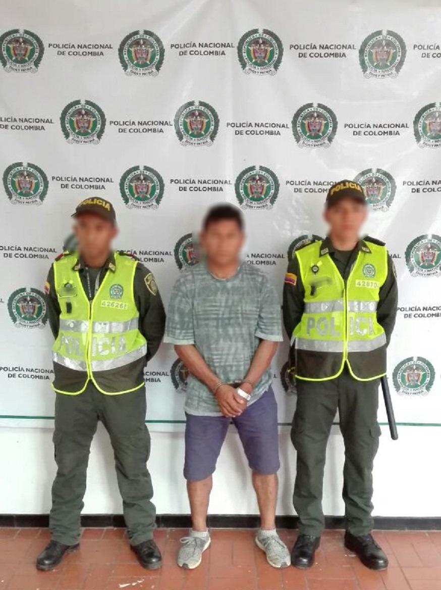 Ltima hora tres hombres fueron capturados por la for Interior y policia porte y tenencia