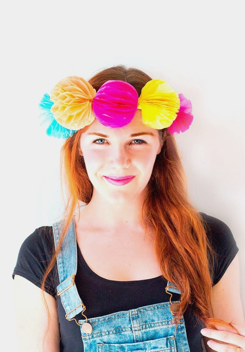 DIY honeycomb balls flower crowns