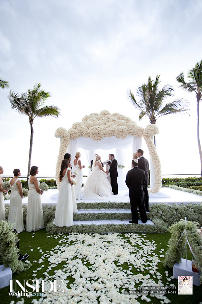 Gorgeous wedding ceremony ideas belle the magazine image credits photographed by nancy cohn via inside weddings junglespirit Gallery