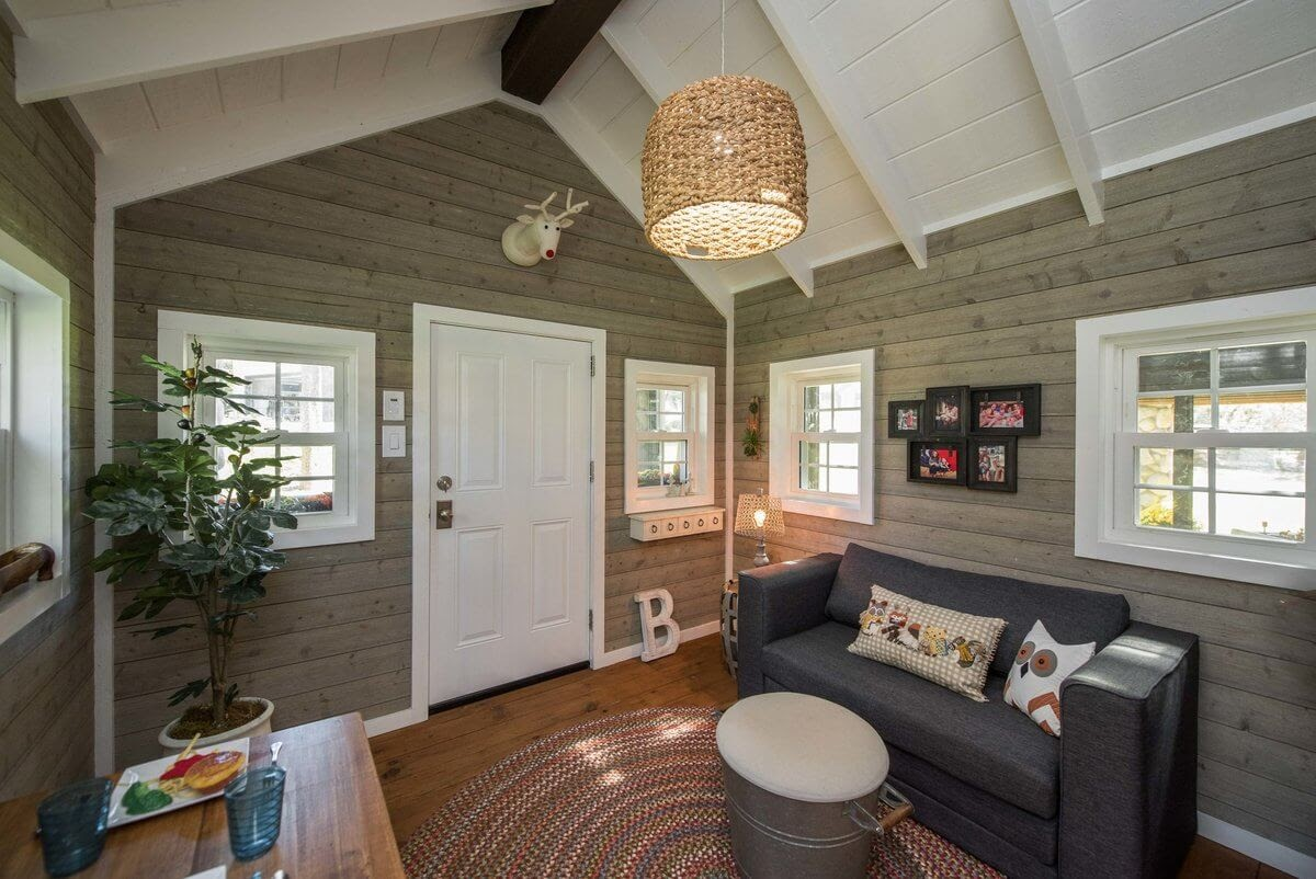 02-Living-Room-GDB-Architecture-Tiny-House-Playhouse-www-designstack-co