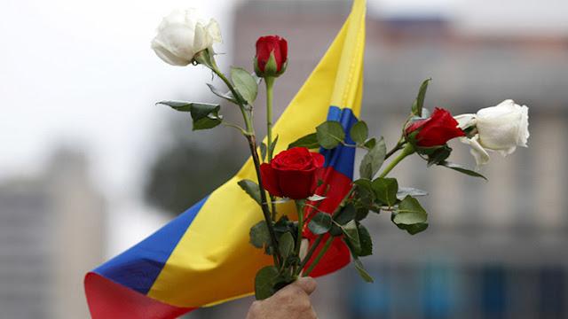 El Gobierno de Colombia y las FARC anuncian un histórico acuerdo para el alto el fuego
