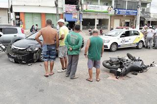 http://www.vnoticia.com.br/noticia/3488-motociclista-ferido-em-colisao-no-centro-de-sfi