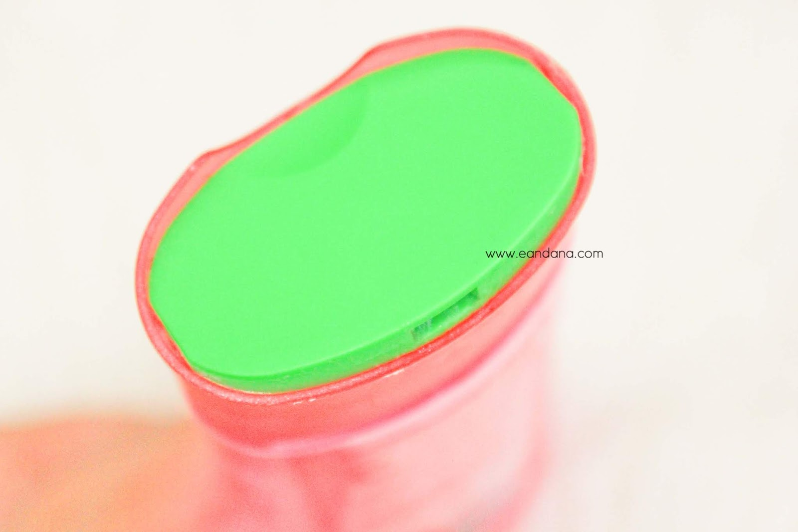 herbal essences colour me shiny shampoo lid