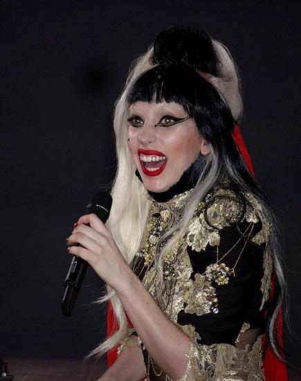 Lady-Gaga-Performing-In-Cannes.jpg
