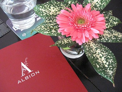 Albion KL table setting