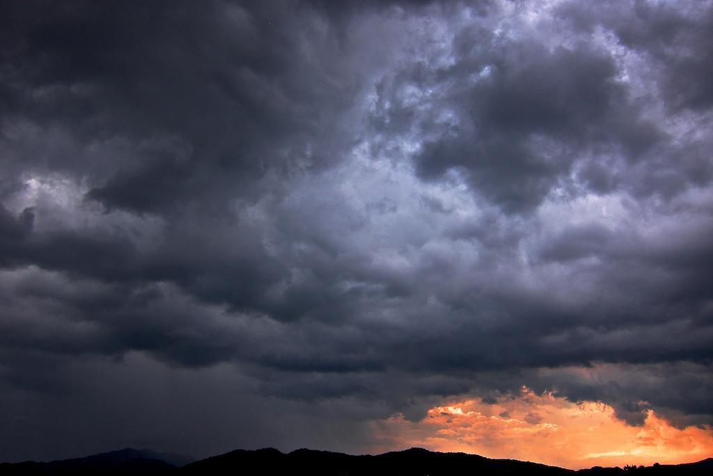 Dark+Sky++001.jpg