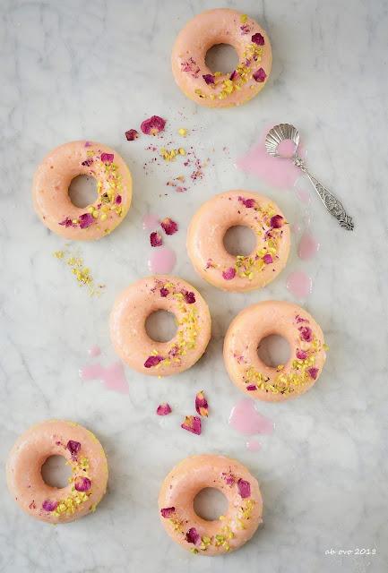 ciambelline-rosa-cardamomo-pistacchi
