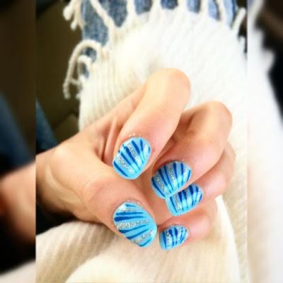 unghie-azzurre-primavera