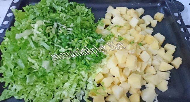 Yumurtalı Patates Salatası Hazırlanışı