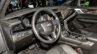 2020 Cadillac XT6 SUV interior