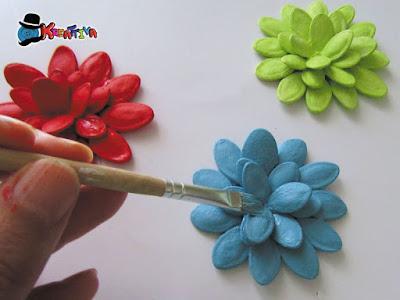 fiore creativo con semi di zucca