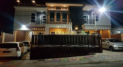 Villa istana Batu Malang