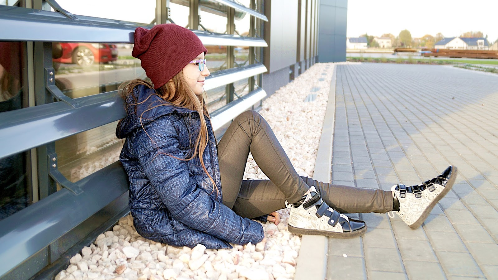 Jak kupić buty przez internet? Stylizacja z butami Bartek.