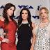 Jennifer Bartels, Kyle Richards e Mena Suvari marcam presença no MTV Video Music Awards 2017 no The Forum em Inglewood, Califórnia - 27/08/2017