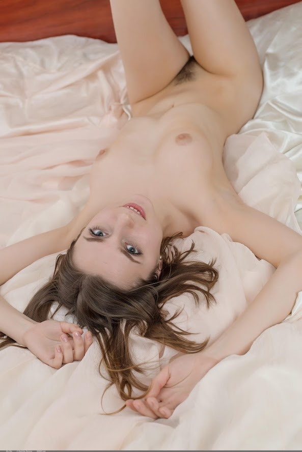 1495573050_zhy-zhy [Domai] Zhy Zhy - Photoset 01 re