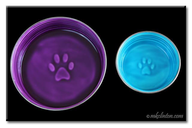 Lilac and Seine Blue versions of Le Bol bowl from Loving Pets