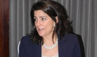 السفيرة الأمريكية لدى قطر تقدم استقالتها من منصبها