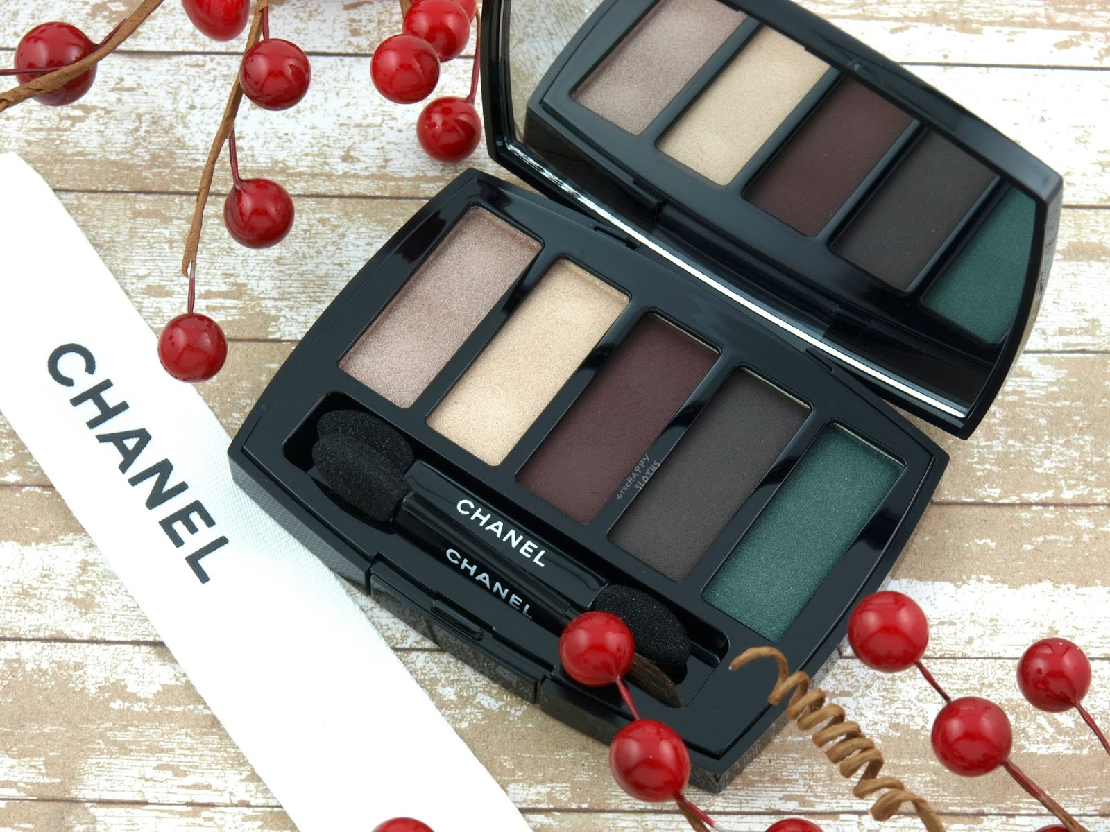 Chanel Holiday 2017 | Les 5 Ombres Eyeshadow Palette Trait de Caractere: Review and Swatches