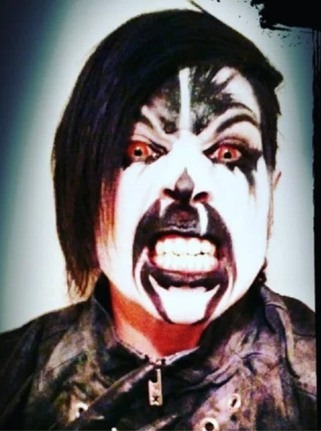 Payaso asesino mata a un hombre con guante de Freddy Krueger; era un músico de death metal