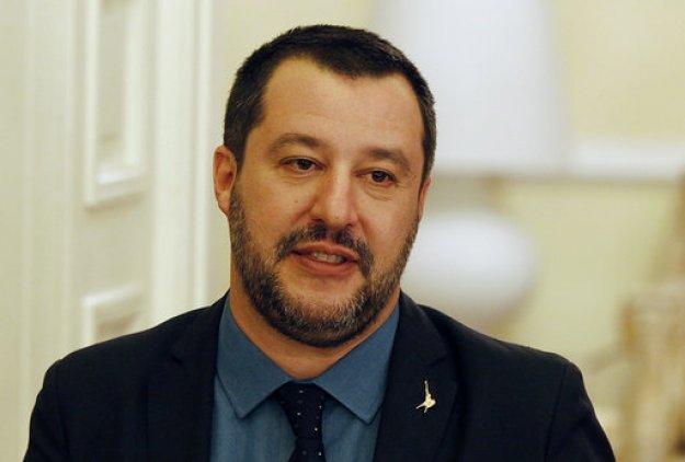 Σαλβίνι: «Οι Γάλλοι θα απαλλαγούν από έναν πολύ κακό πρόεδρο»