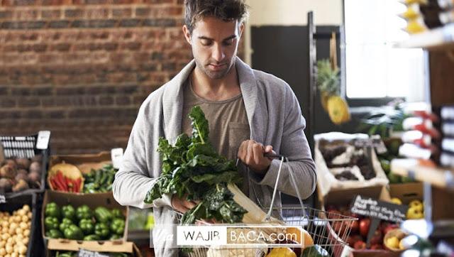Ternyata Pria yang Gemar Makan Sayur dan Buah Bikin Wanita