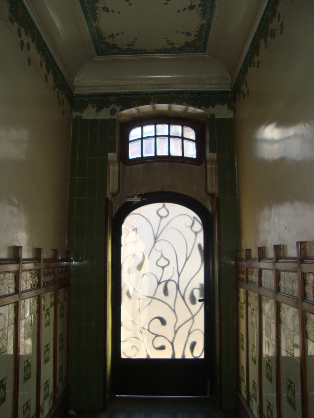 Paseos art nouveau 03 01 2013 04 01 2013 for Porte cage d escalier