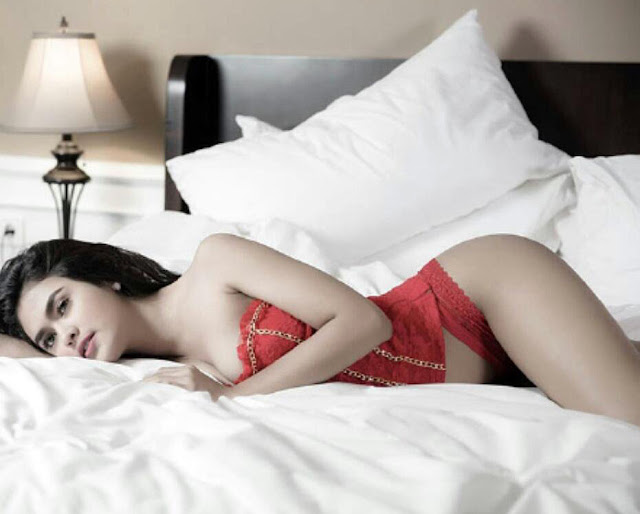 Galeri Foto Model Putri Zairah Wijaya