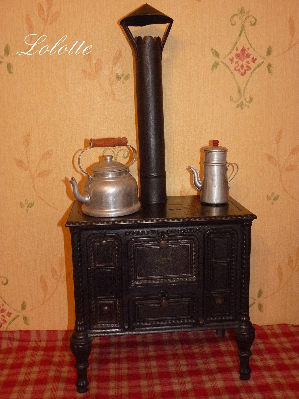 poup es et travaux coutures de lolotte jolie cuisini re. Black Bedroom Furniture Sets. Home Design Ideas