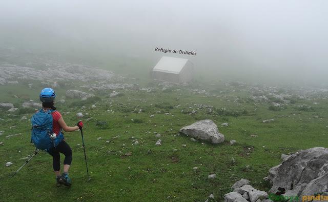 Pequeño refugio no guardado de Picos de Europa, donde pararemos a comer y descansar.