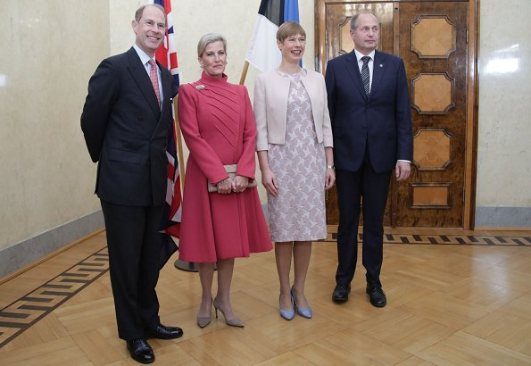 Countess Sophie wore Catherine Walker wool-crepe coatdress and Prada suede pumps carried Sophie Habsburg clutch. President Kersti Kaljulaid