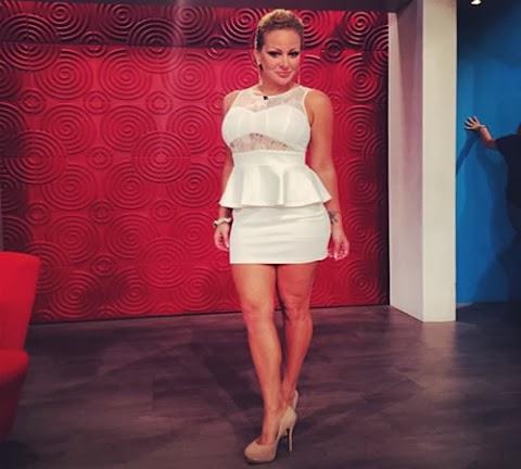 Angelique la burbu burgos Modela Vestido Blanco