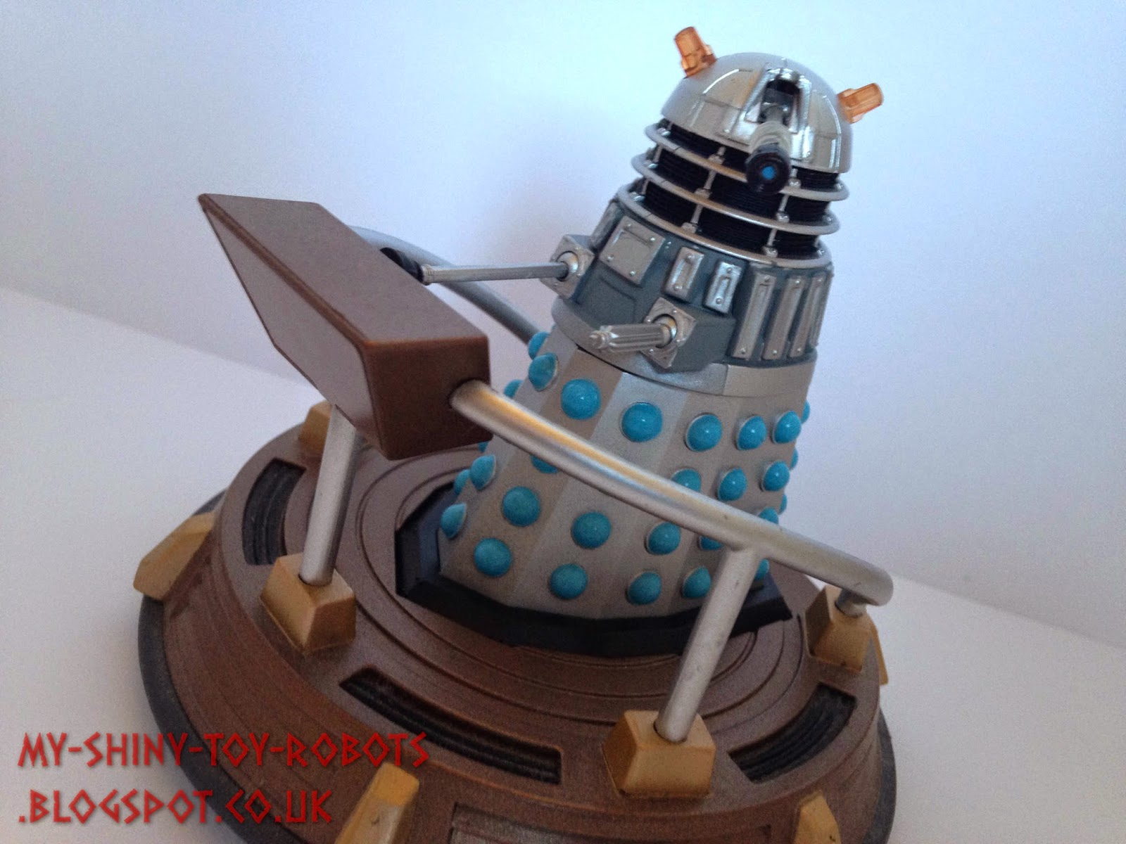 Dalek takes to the transolar disc